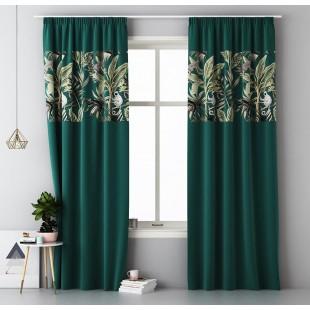 Tmavozelený záves na okno s riasiacou páskou a exotickým vzorom