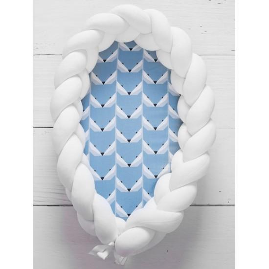 Bielo modrý kokón pre bábätko so vzorom líštičiek