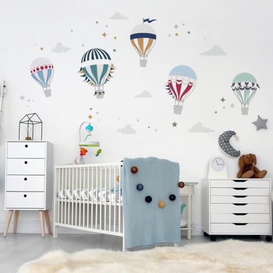Sada nálepiek na stenu s motívom farebných balónov a hviezdičiek