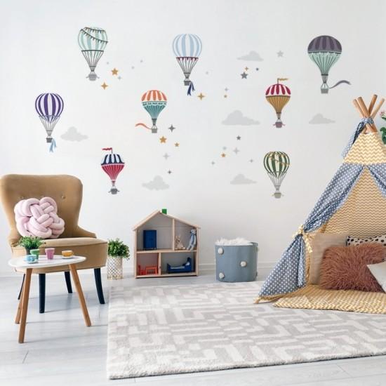Sada farebných nálepiek na stenu s motívom balónov a hviezdičiek