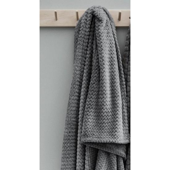 Moderná tmavosivá mäkká deka s cik-cak vzorom