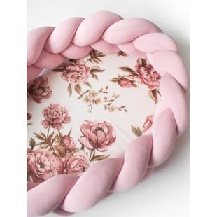 Ružový kokón pre bábätko so vzorom pivónií