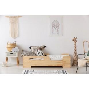 Kvalitná borovicová posteľ s bočnicami