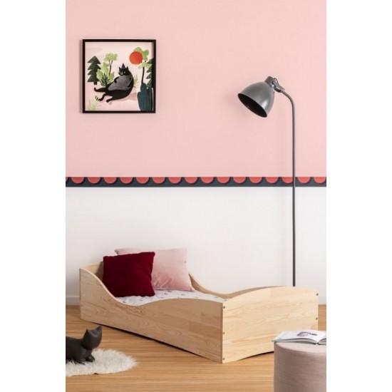 Kvalitná posteľ so zaobleným rámom