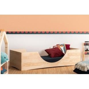 Borovicová posteľ s kruhovým výrezom