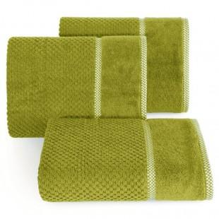 Elegantný zelený bavlnený uterák s vyšívanou aplikáciou
