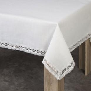 Béžový obrus na stôl s čipkovaným lemom po okrajoch