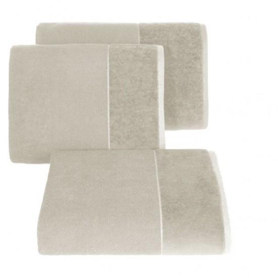 Béžový bavlnený uterák so širokým zamatovým okrajom