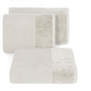 Krémový bavlnený uterák so širokým zamatovým okrajom