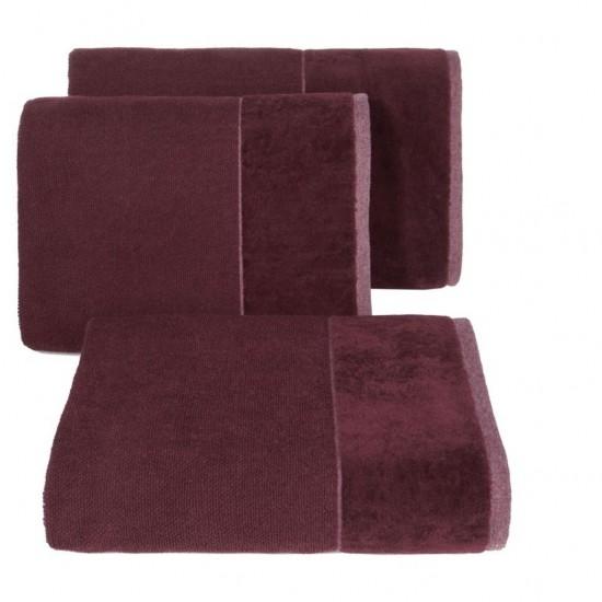 Bordový bavlnený uterák so širokým zamatovým okrajom