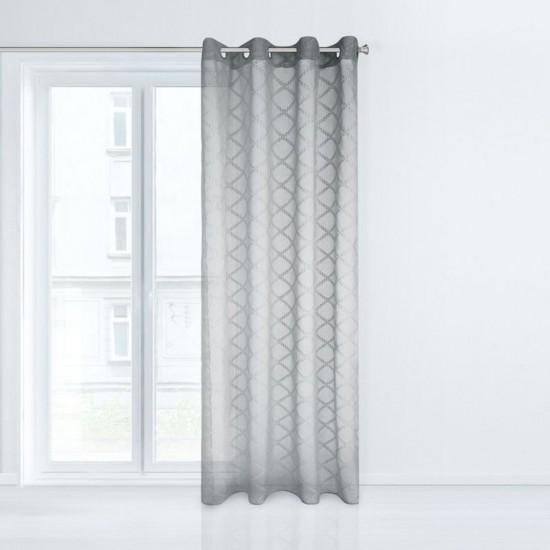 Priehľadný sivý záves na okno s ozdobnými geometrickými tvarmi