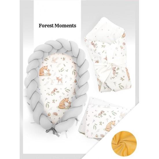 Svetlosivá výbava pre novorodenca s lesným motívom a kombinovanou zamatovou prikrývkou