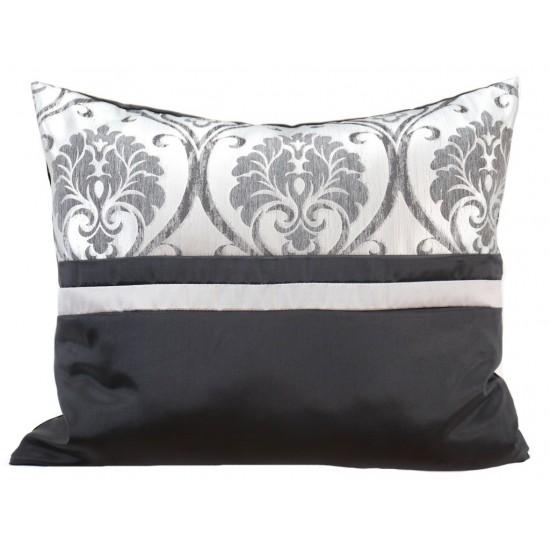 Čierno biela obliečka na vankúš s elegantným motívom