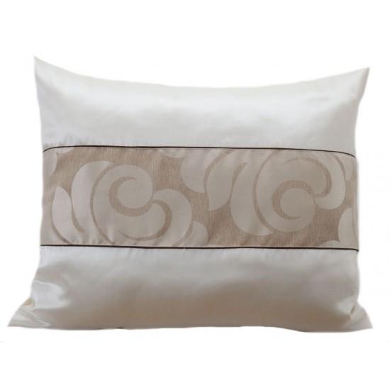 Dekoračná obliečka na vankúš s elegantným vzorom v orechovo béžovej farbe