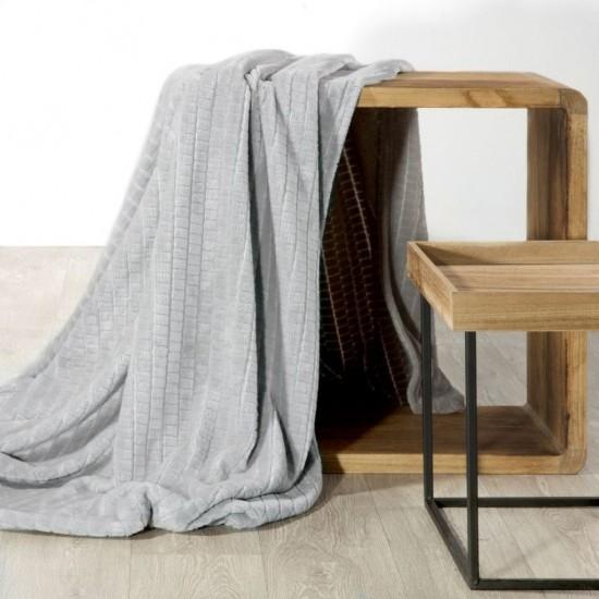 Sivá dekoračná deka so vzorom
