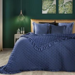 Tmavomodrý prehoz na posteľ s ozdobným lemom