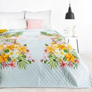 Prešívaný mentolový dekoračný prehoz na posteľ s exotickým motívom