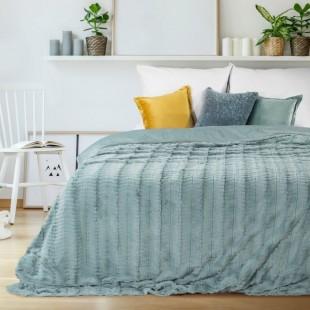 Plyšový dekoračný prehoz na posteľ v blankytne modrej farbe