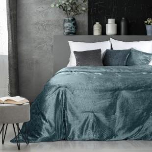 Zamatový tmavotyrkysový dekoračný prehoz na posteľ s ozdobným vzorom