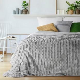 Sivý jednofarebný prešívaný prehoz na posteľ s 3D vrúbkovaným vzorom