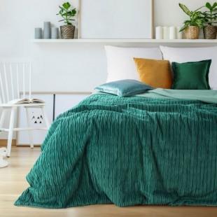 Tmavozelený jednofarebný prešívaný prehoz na posteľ s 3D vrúbkovaným vzorom
