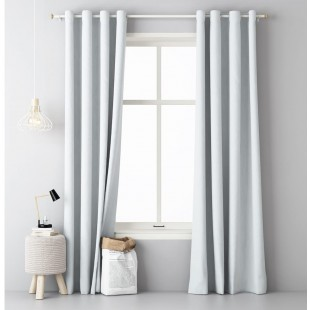 Biely jednofarebný okenný záves