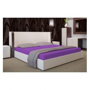 Kvalitná jersey posteľná plachta s gumičkou v slivkovej farbe