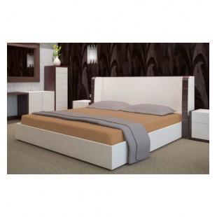 Froté posteľné prestieradlo s gumičkou v škoricovej farbe