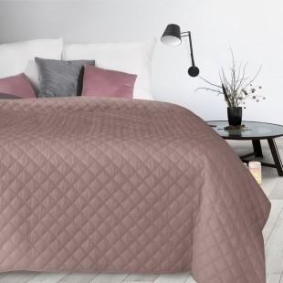 Ružový jednofarebný zamatový prehoz na posteľ