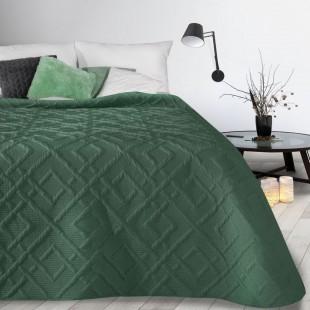 Tmavozelený mäkký vzorovaný prehoz na posteľ
