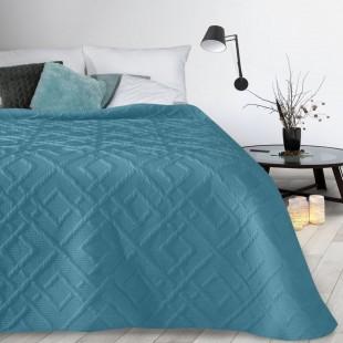 Modrý mäkký vzorovaný prehoz na posteľ