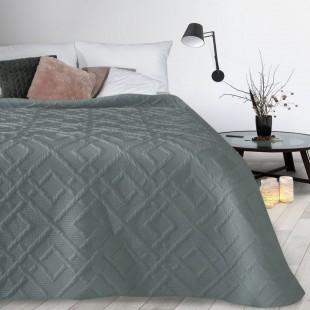 Sivý mäkký vzorovaný prehoz na posteľ