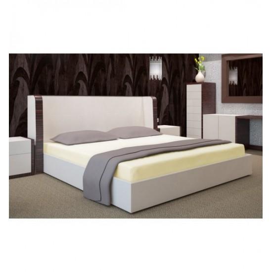 Kvalitná svetlokrémová napínacia  posteľná plachta zo saténovej bavlny