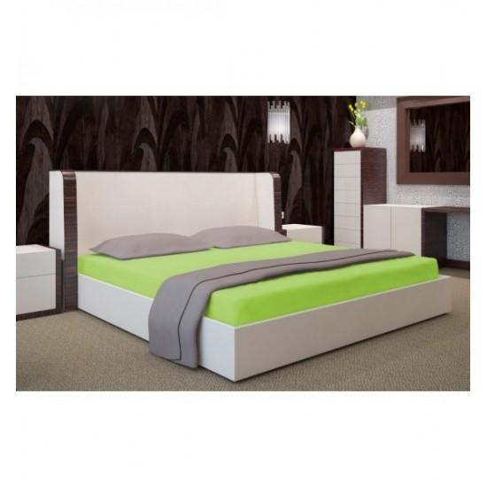 Napínacia kvalitná posteľná plachta v sýto zelenej farbe