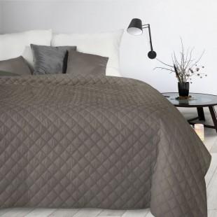 Béžový dekoračný mäkký prehoz na posteľ