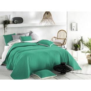 Tmavozelený prehoz na posteľ s guličkovým lemom