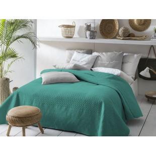 Tmavozelený obojstranný prehoz na posteľ