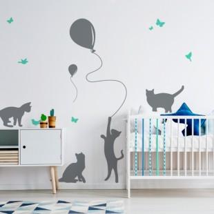 Detská nálepka na stenu s motívom mačiatok a balónikmi