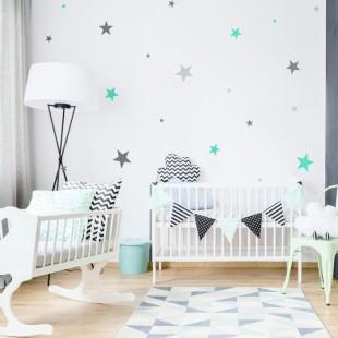 Detské nálepky na stenu s motívom trojfarebných hviezd