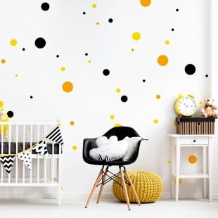 Detská nálepka na stenu s motívom trojfarebným bodiek