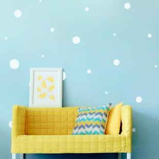 Detské nálepky na stenu s motívom bielych bodiek