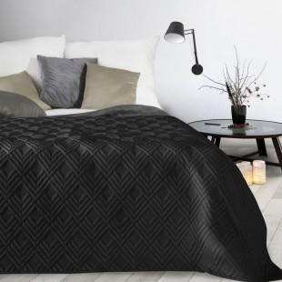 Čierny mäkký prehoz na posteľ