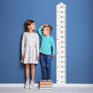 Detská nálepka na stenu s motívom metra na meranie výšky
