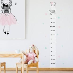 Detská nálepka na stenu s motívom metra na meranie výšky s mačičkou Henrietkou