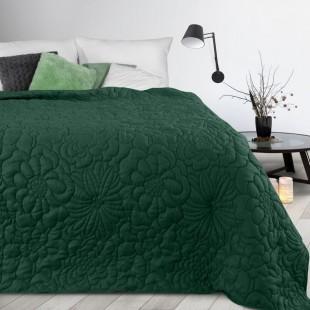 Zelený prehoz na posteľ s kvetinovým vzorom