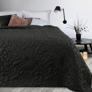 Čierny prehoz na posteľ s kvetinovým vzorom