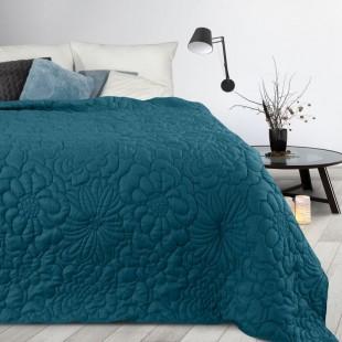 Modrý prehoz na posteľ s kvetinovým vzorom
