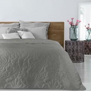Béžový prehoz na posteľ  s kvetinovým vzorom