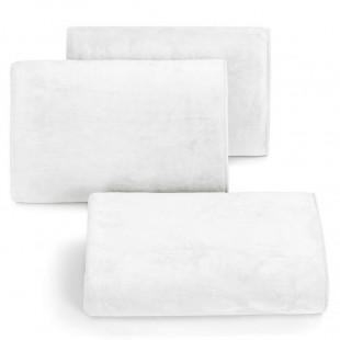 Rýchloschnúci biely uterák do kúpeľne