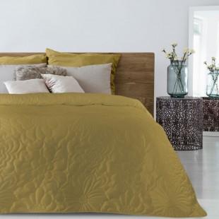 Žltý mäkký prehoz na posteľ